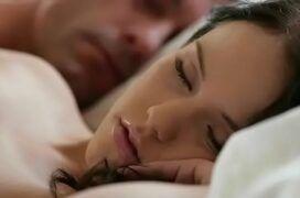 Porno dormindo com Megan Rain dando pro seu primo bem dotado