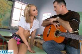 Rec-tube novinha safada dando pro seu professor de musica