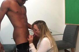Video de sexo portugues do novinho dotado dando rola para sua professora no dia dos professores