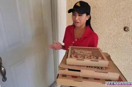 Hamster porno comendo entregadora de pizza gostosa