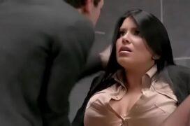 Sexo com professora gostosa na sala de aula